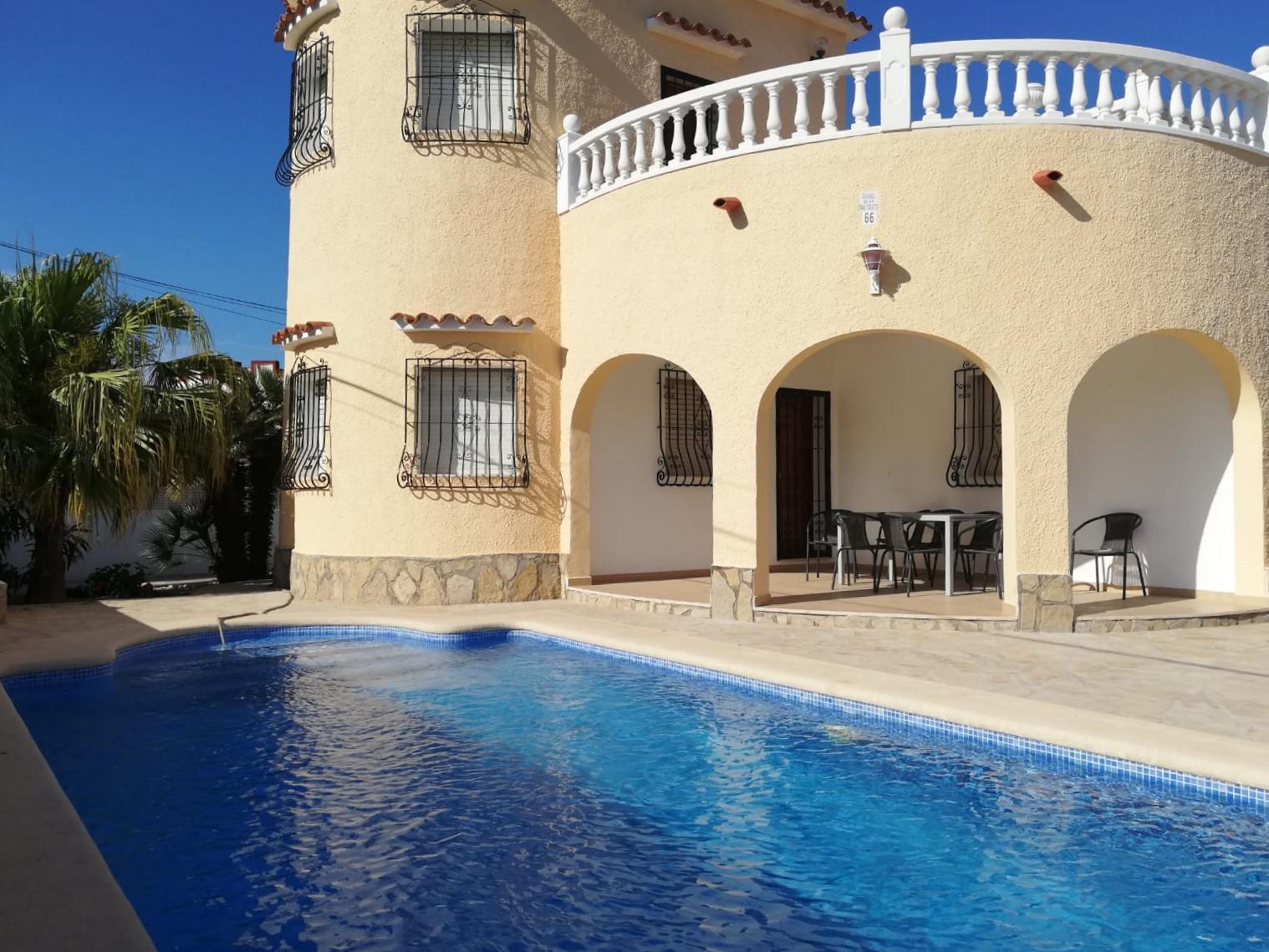 Villetta -                                       Els Poblets -                                       3 camere -                                       7 persone