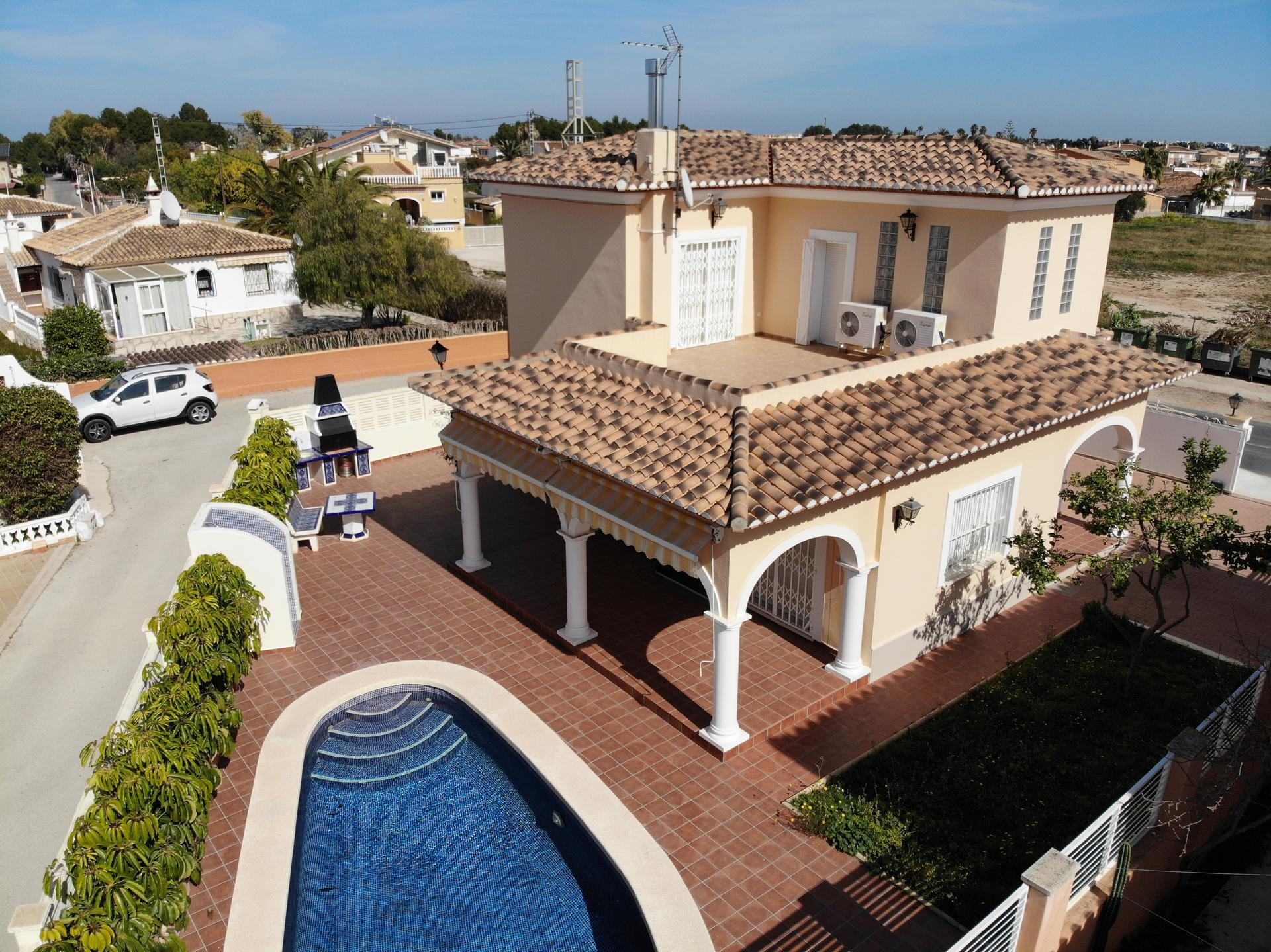 Villetta -                                       Denia -                                       2 camere -                                       6 persone
