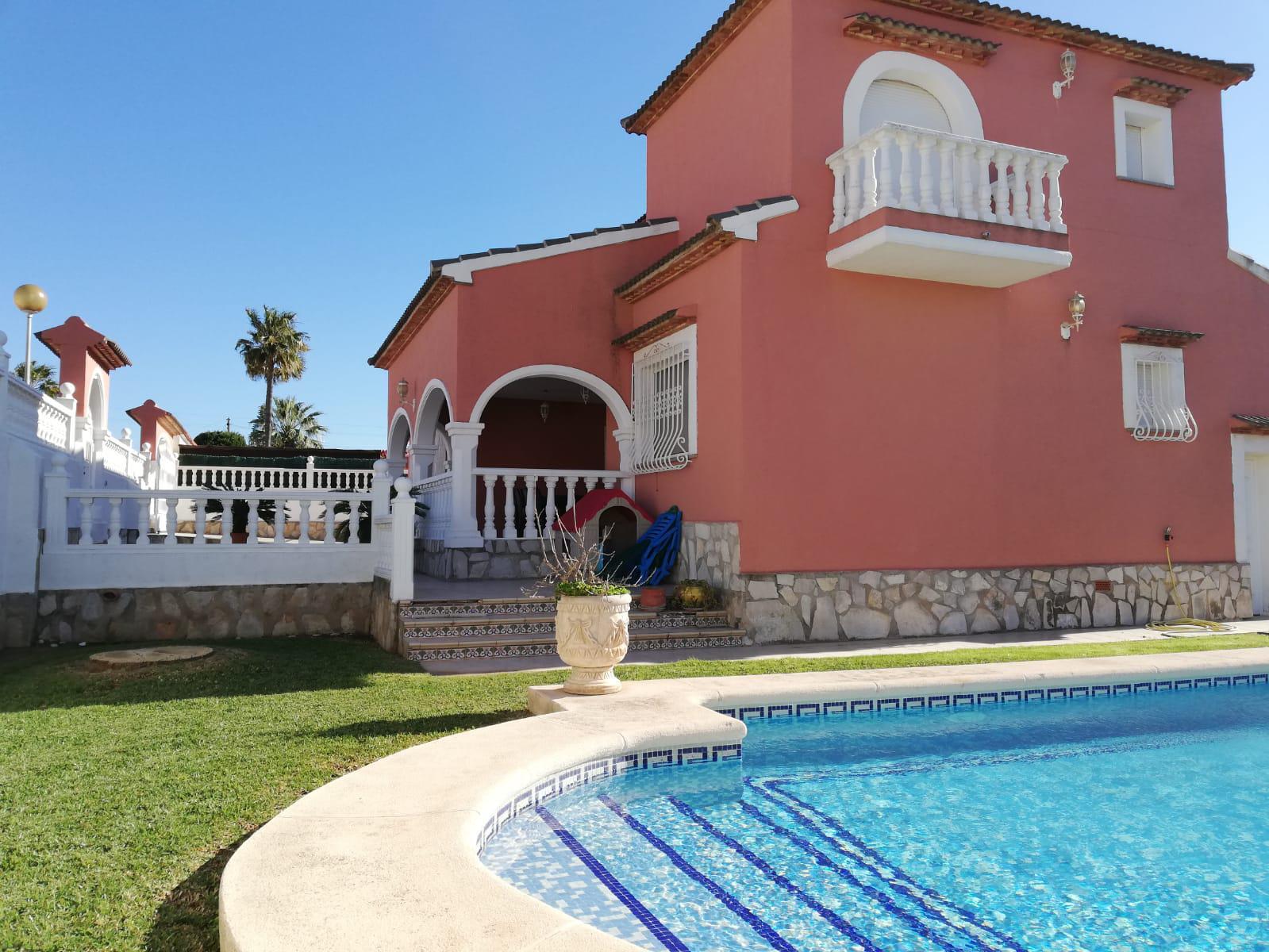 Villetta -                                       Els Poblets -                                       5 camere -                                       10 persone