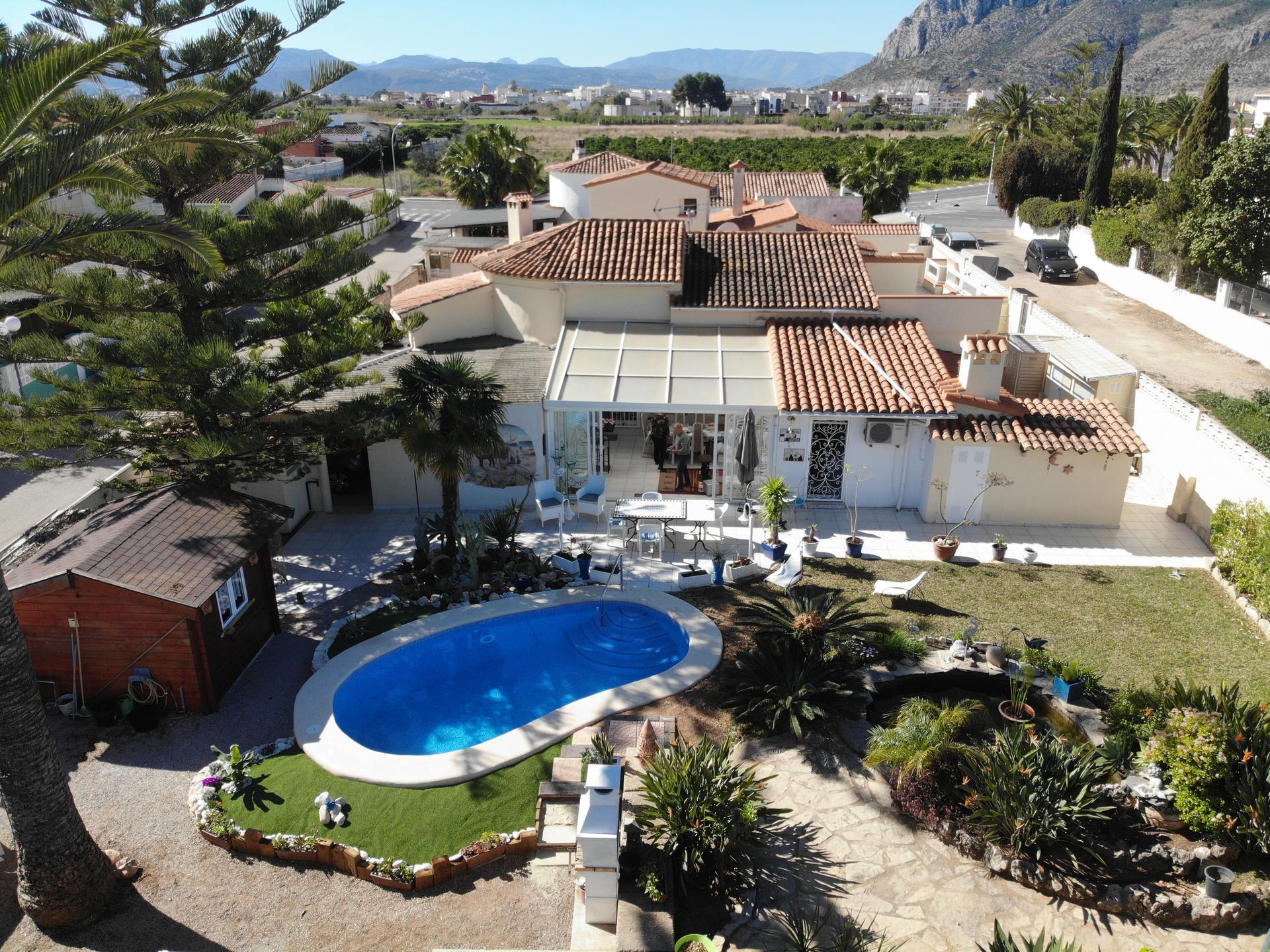 Villetta -                                       Els Poblets -                                       3 camere -                                       8 persone